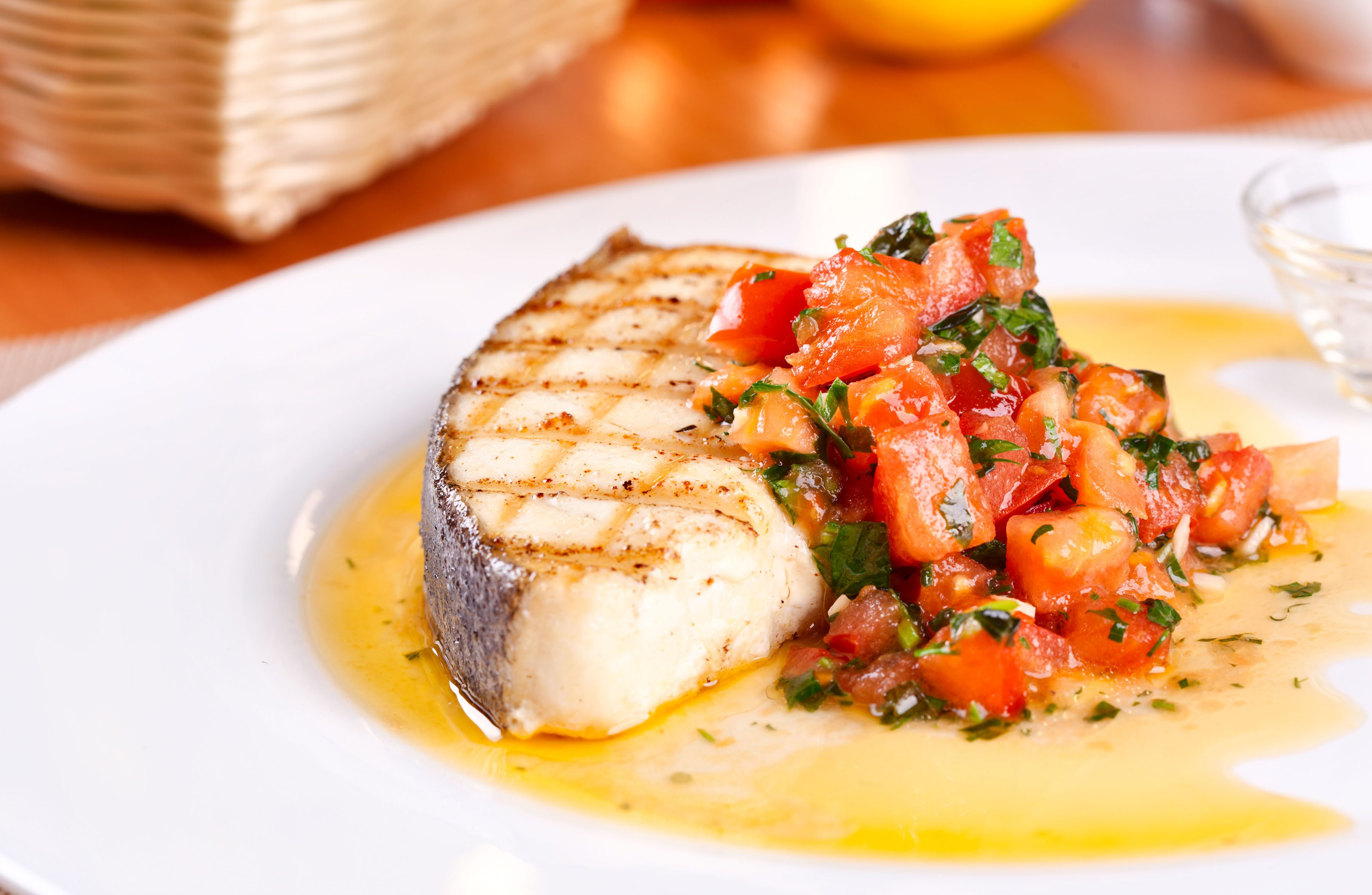Grilled halibut steaks with tomato and red pepper salsa for Halibut fish recipes