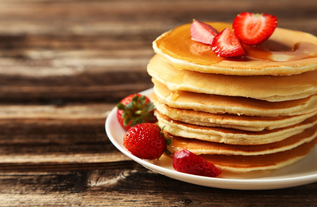 Weekend breakfast recipes: strawberry cinnamon pancakes