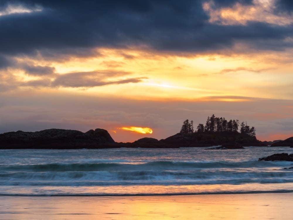Beach and sunset on Tofino
