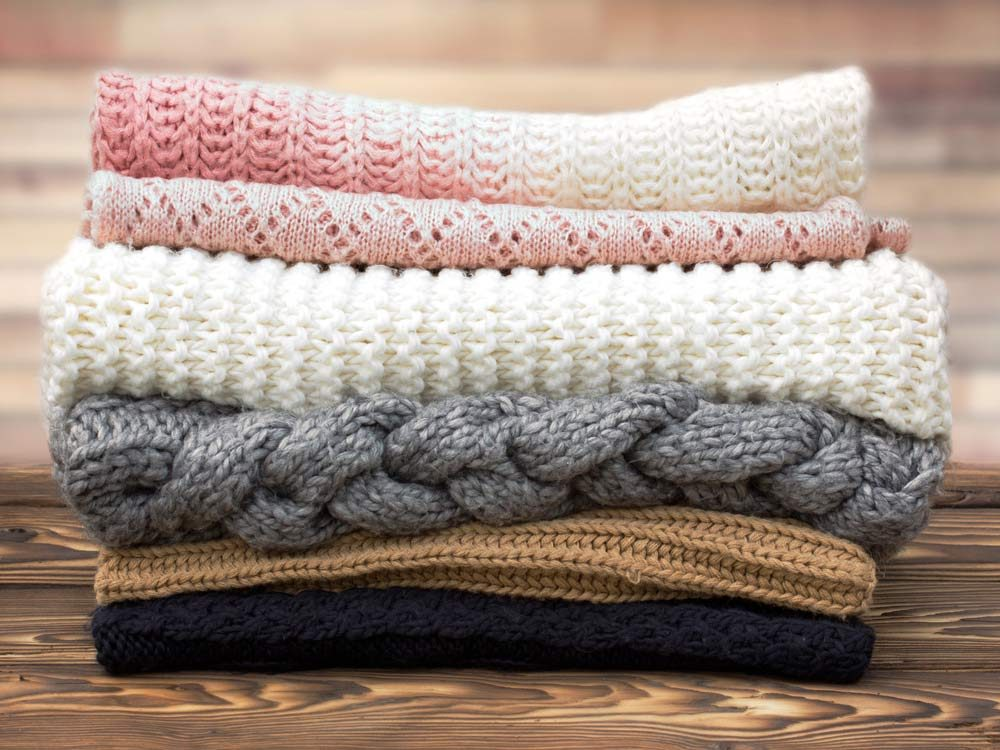 Use spices to keep woolen whole