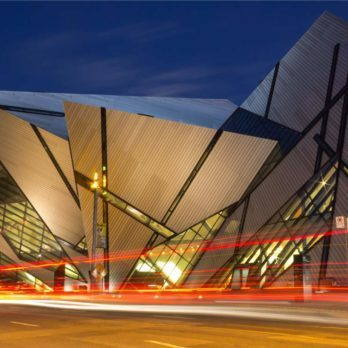 9 Toronto Attractions Every Canadian Should Visit