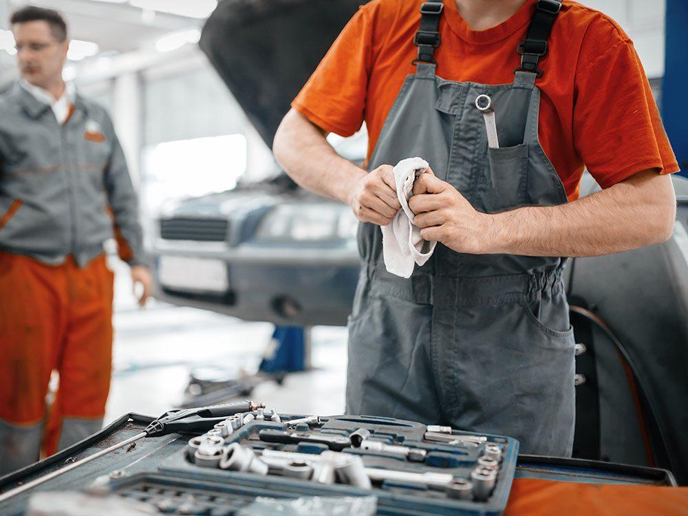 Clean auto shop