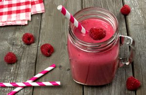 Raspberry and Pomegranate Smoothie