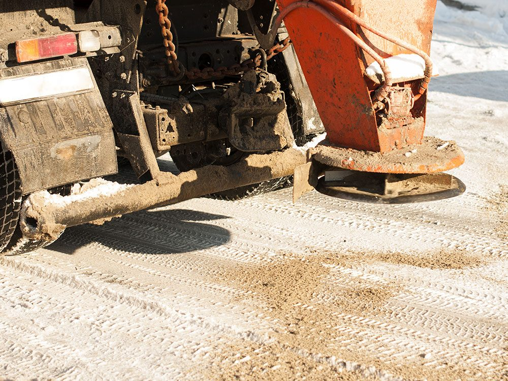 How to de ice your driveway 5 things you can use sand can de ice your driveway solutioingenieria Gallery
