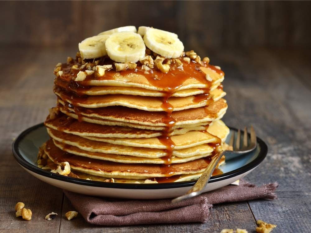 Pancakes with banana, walnut and caramel
