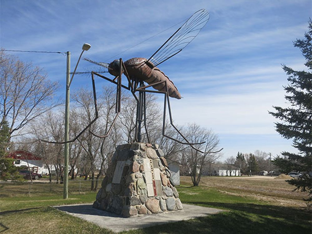 Giant mosquito statue in Manitoba
