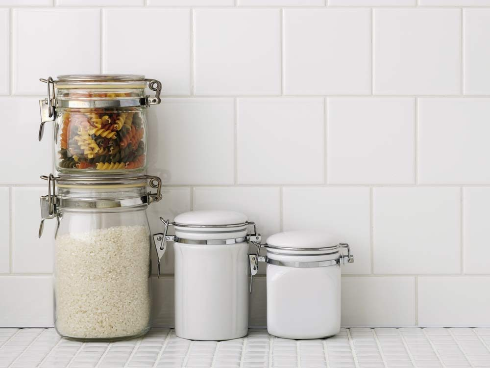 kitchen-organizing-tips-number-your-containers