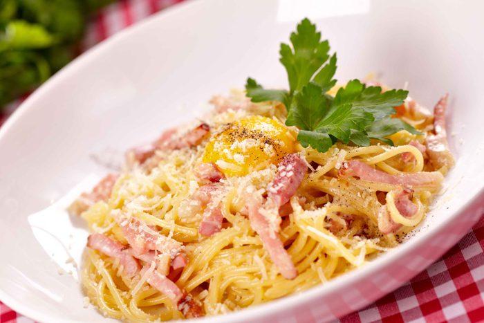 Egg and bacon spaghetti
