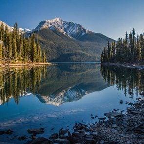 Fun facts about Canada - Maligne lake in Alberta