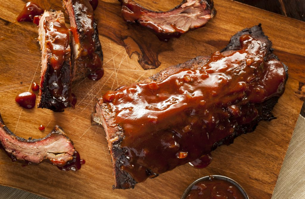 Smoked spareribs with bbq sauce