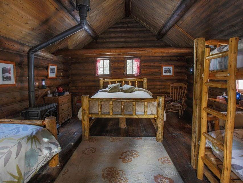 Skoki Lodge in Lake Louise