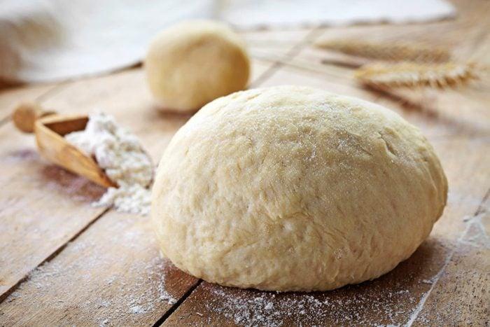 bread-dough-toxic-christmas-foods
