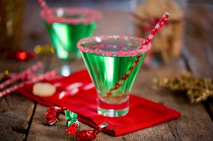 festive-drinks-toxic-christmas-foods
