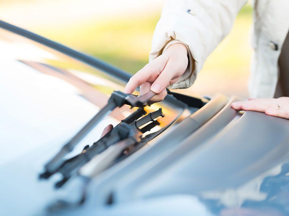 Installing a new windshield wiper arm