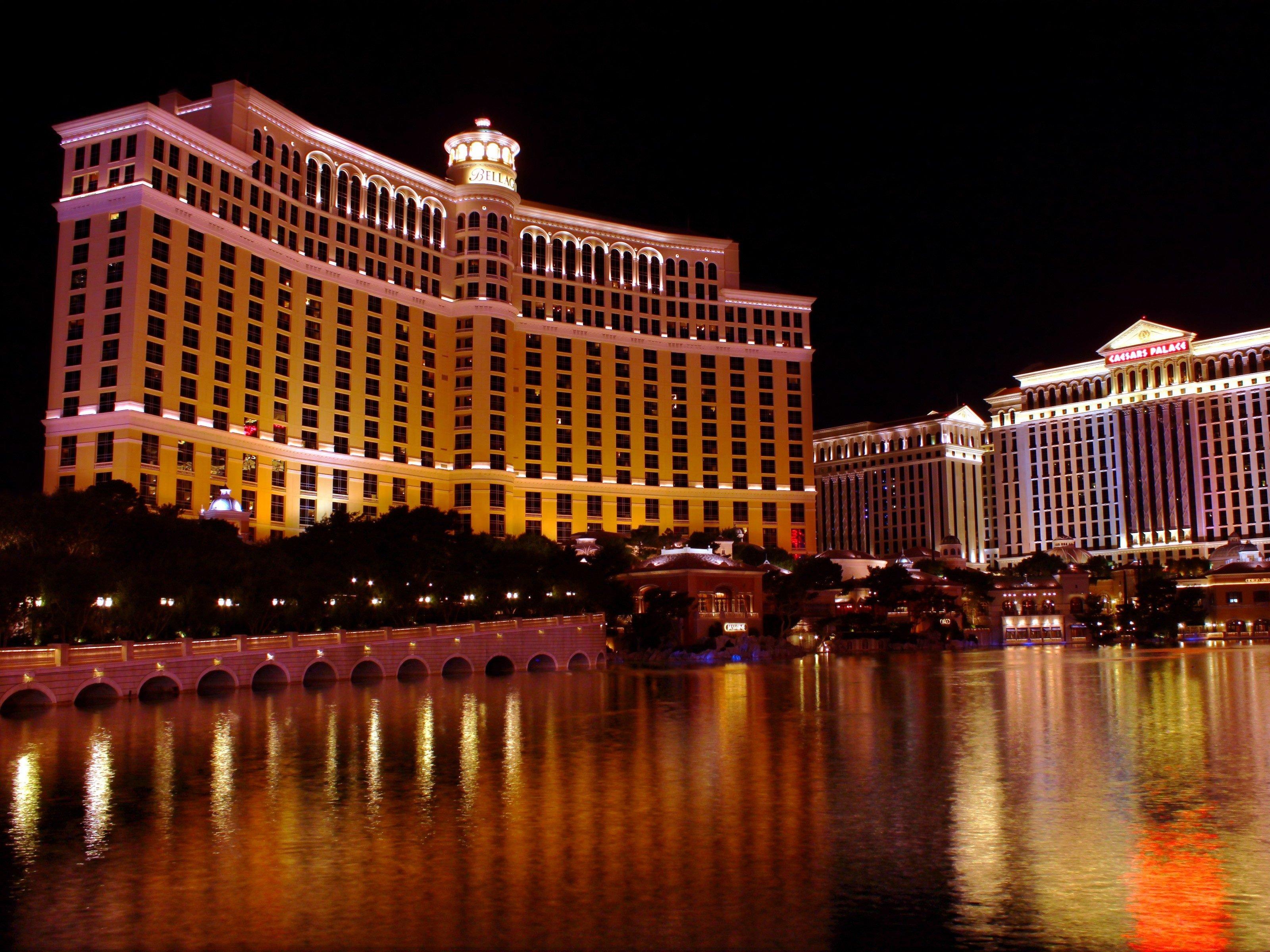 10 Amazing Reasons to Visit Las Vegas: Bellagio