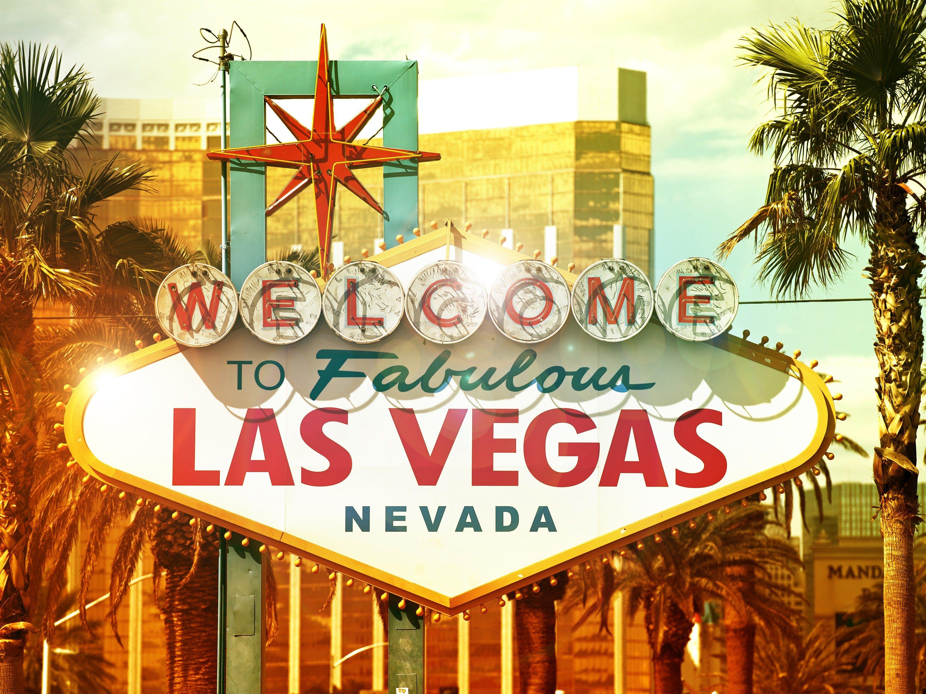 10 Amazing Reasons to Visit Las Vegas: The Strip