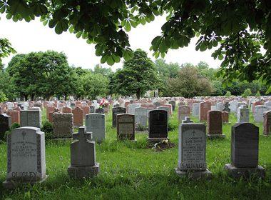 Notre-Dame-des-Neiges Cemetery - Montreal, Quebec