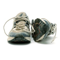 Things to do with steel wool #2: Clean Dirty Sneakers