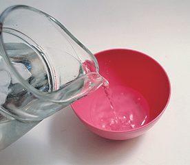 1. Deodorize Plastic Containers