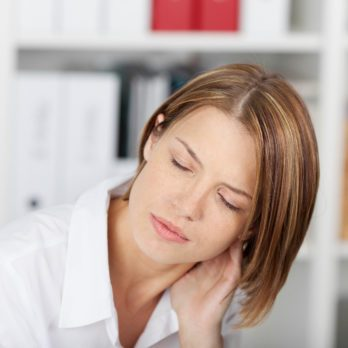3 Simple Ways to Get Rid of a Stiff Neck