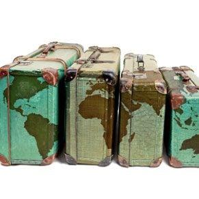 3.Choose a Distinctive Suitcase