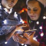 4-best-smartphone-apps-save-money-holiday
