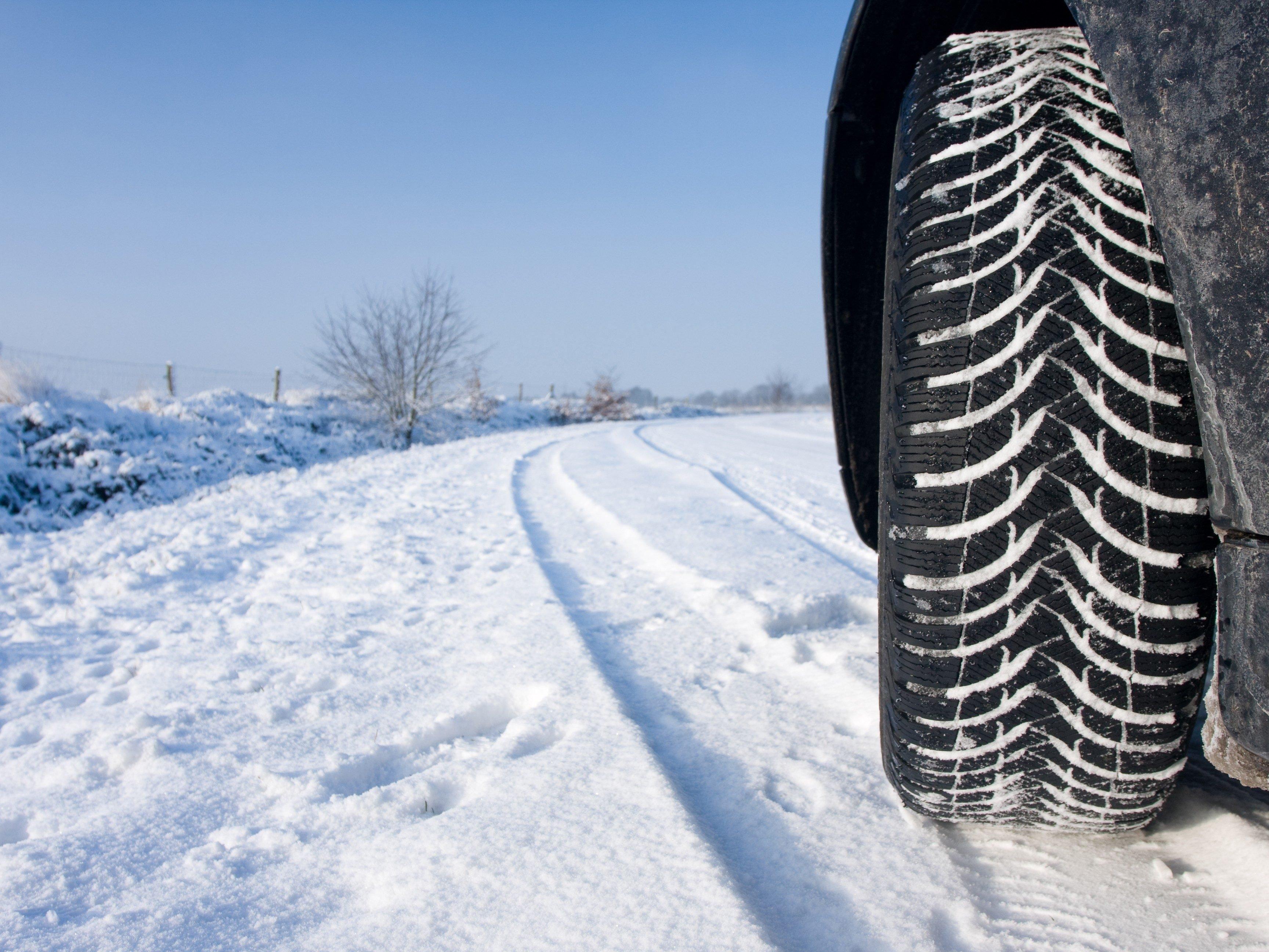 4 Quick Car Maintenance Checks for Winter Driving