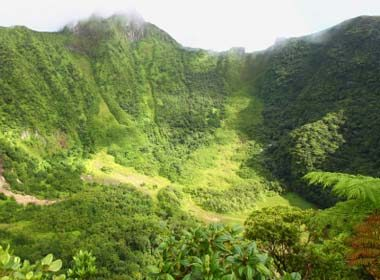 Top 10 Tropical Islands For Hiking