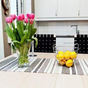 5. Keep Flowers Upright In Vase