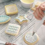 6 Pretty Christmas Cookie Decorating Ideas