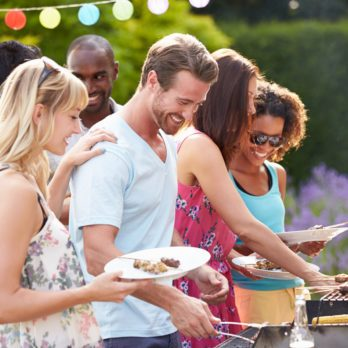 7 Tips for Hosting a Budget-Friendly BBQ