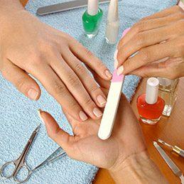 4. Manicure