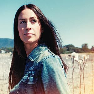 Alanis Morissette: The Rock 'n' Roll Rebel Mom