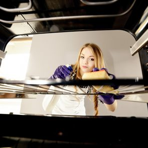 Use ammonia to clean oven