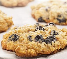 Chewy Oatmeal Cookies With Dried Blueberries