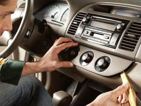 Conseils pour retirer votre autoradio