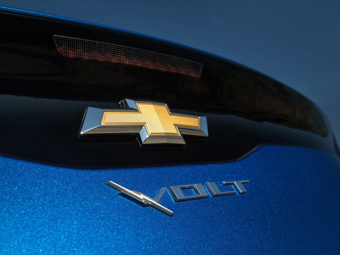 2. The 2016 Chevrolet Volt Has a Better Battery