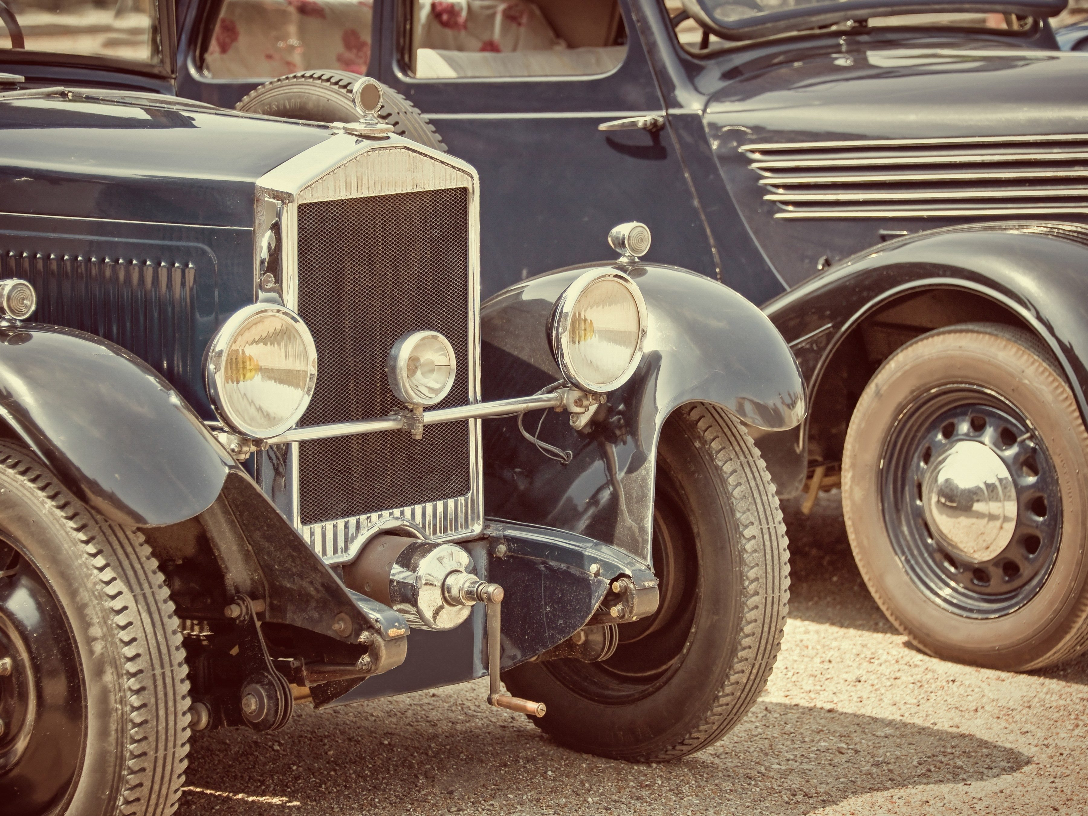 2. Classic Car Database