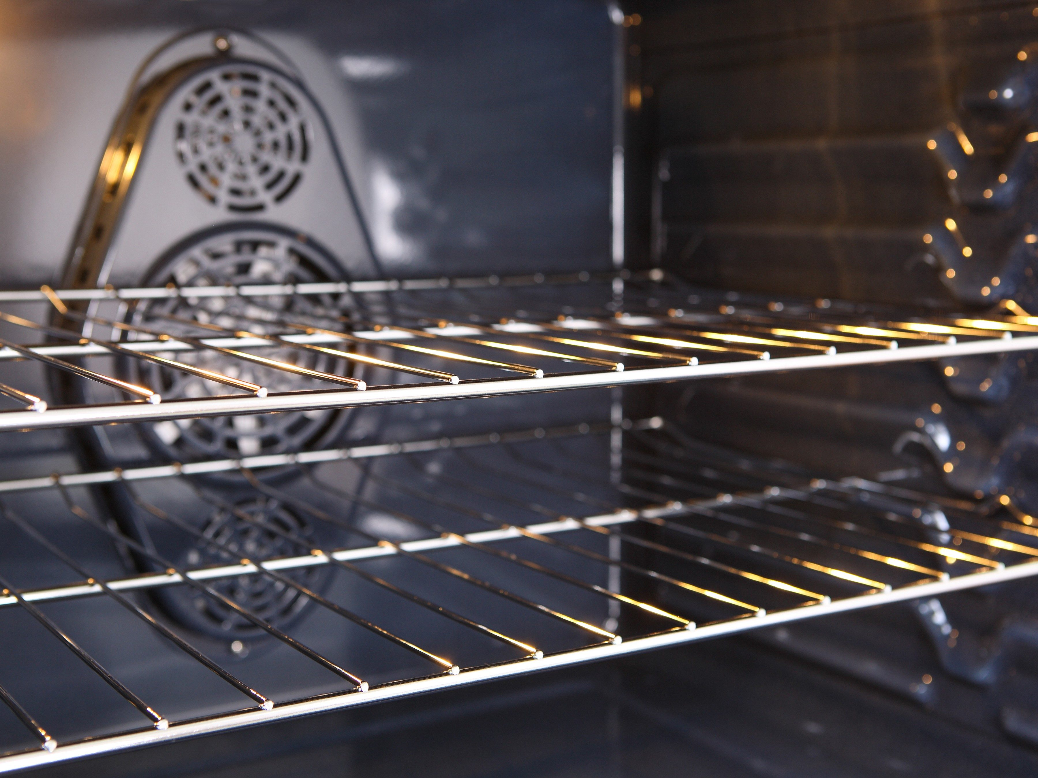 How to Clean Dirty Oven Racks