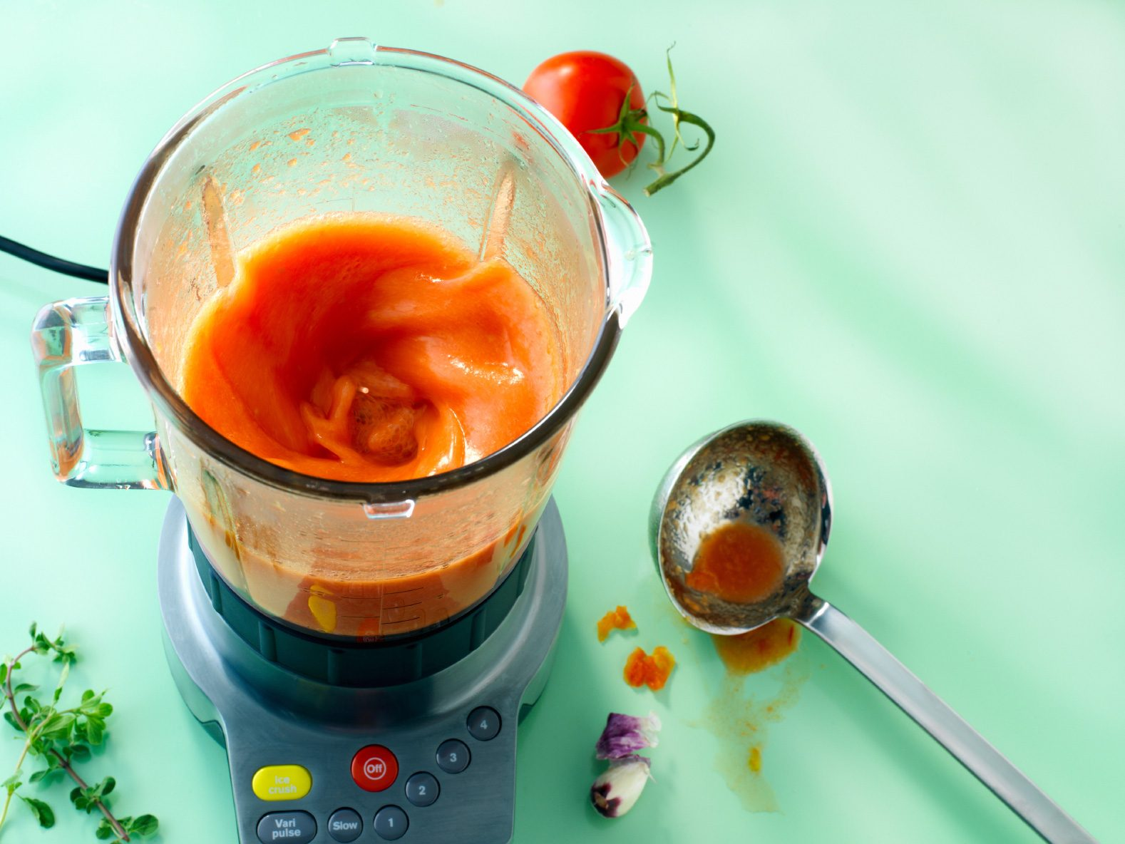 Kitchen-Cleaning Tips: Clean Your Blender
