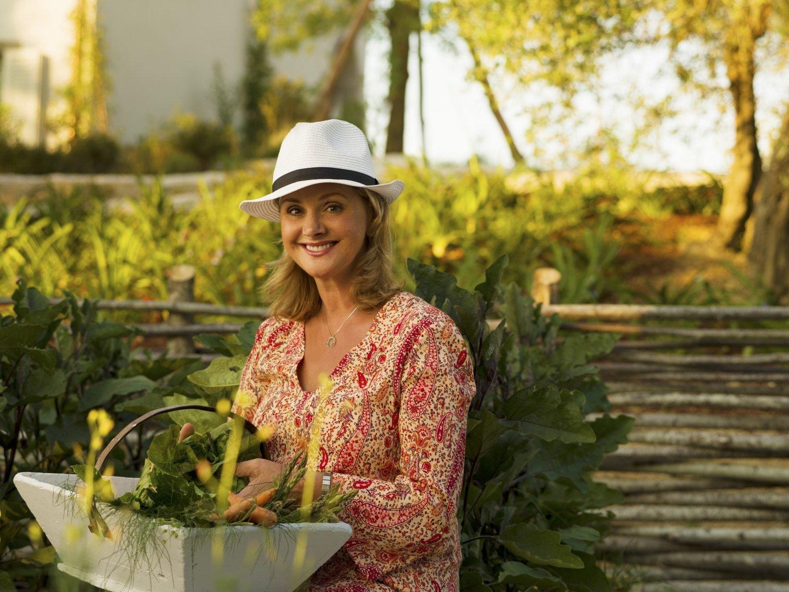 Debbie Travis Takes on Tuscany
