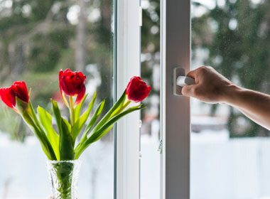 Preparing Your Home for Fall: Check for Drafts
