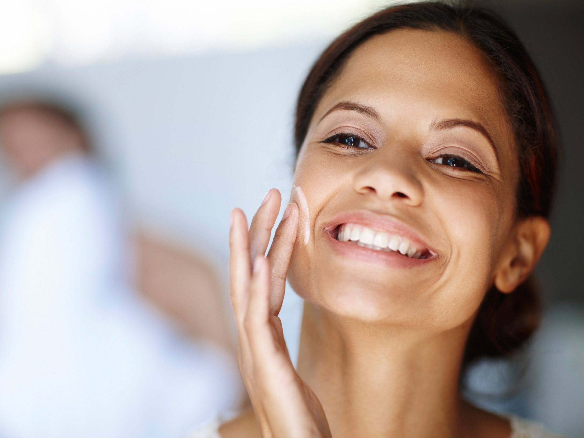 Healthy Skin Myth: Thicker Creams Moisturize More