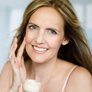 Make-Up Trick #7: Minimize Facial Lines