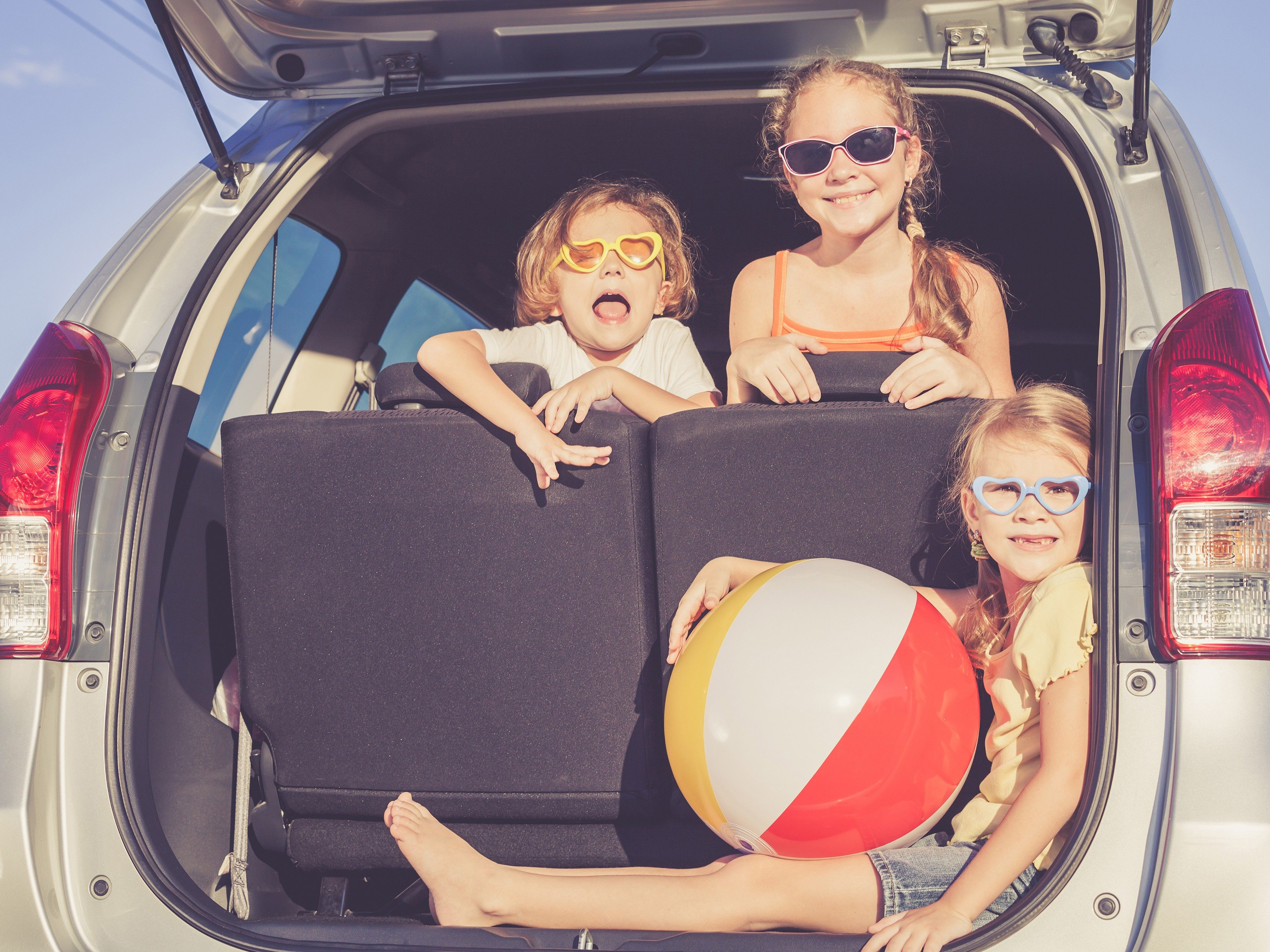 5 Tips for a Safe and Happy Family Car Trip