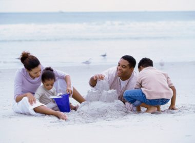 10 Ways to Travel Cheap With the Kids