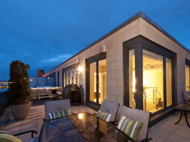 Exceptional FlightHub Finds Canadau0027s Most Ritzy Airbnb Spots