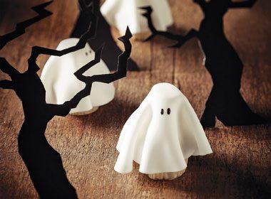 Halloween Treat Recipe: Fondant Phantoms