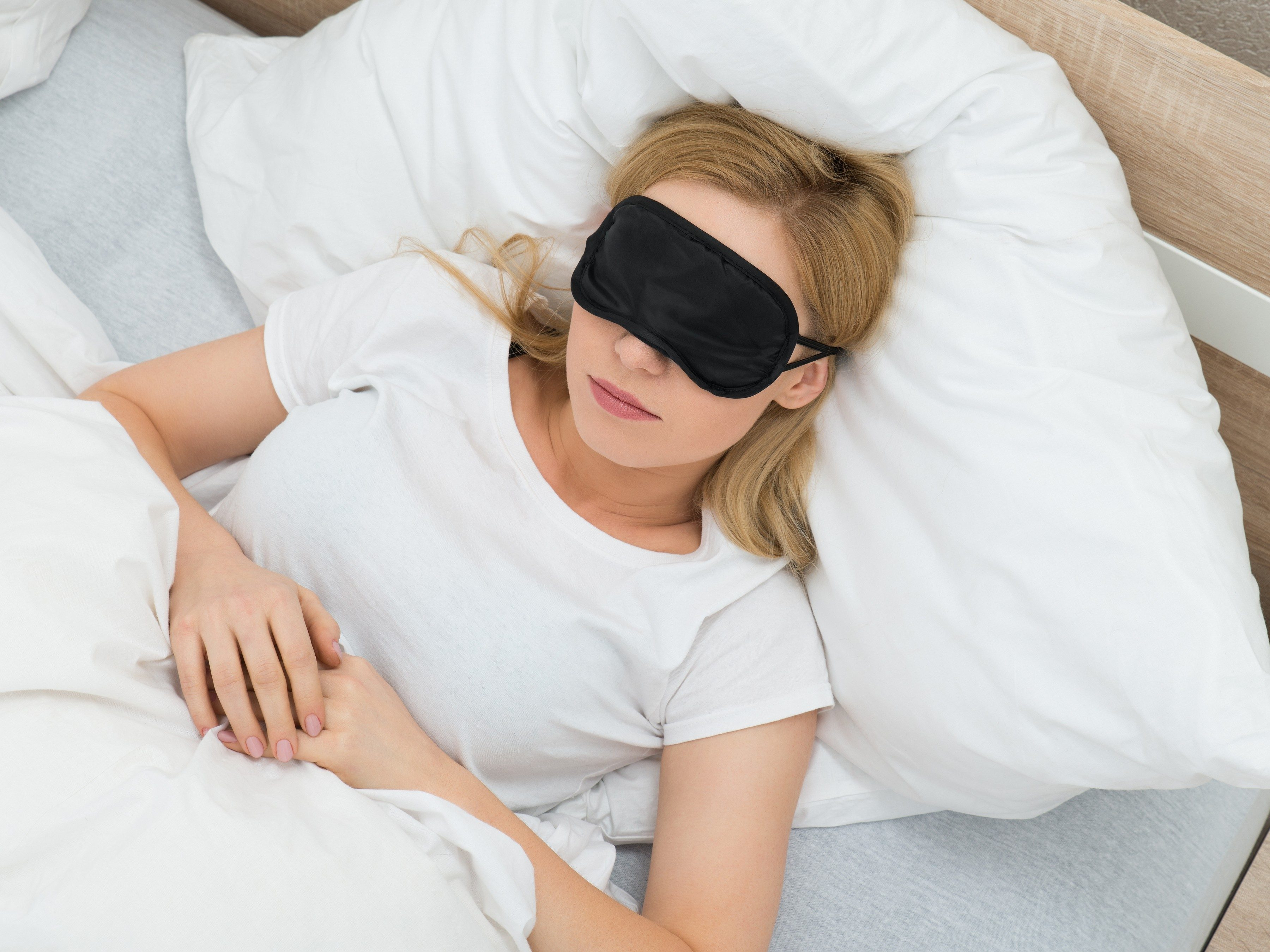 4. Get a better sleep by preparing your bedroom