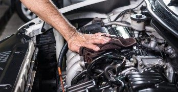 how-to-clean-car-engine